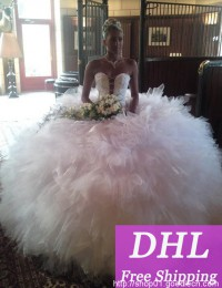 2015 Puffy Princess Luxury Corset White Bandage With Crystal Beads Pleated Ball Gown Wedding Dresses Bridal Gowns Organza VC-124