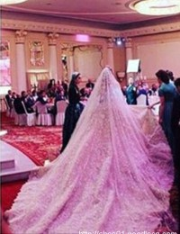 2016 Ball Gown Wedding Dresses Lace Luxury Vintage Wedding Gowns Long Sleeve Cathedral Train Romantic Bridal Gowns Sexy NE-1